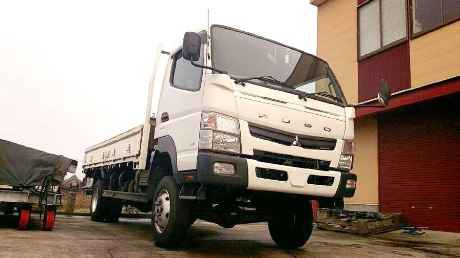 4WD Mitsubishi Fuso Truck | A-GREESKO